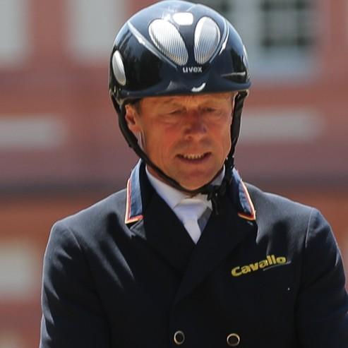 Peter  Thomsen